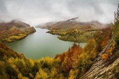Siriu Lake by Ovidiu Caragea on 500px