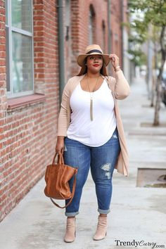 curvy fashion plus size, curvy women fashion, curvy girl fashion, Mode Outfits, Casual Outfits, Fashion Outfits, Fashion Ideas, Fashion Clothes, Casual Jeans, Denim Jeans, Casual Dresses, Skinny Jeans