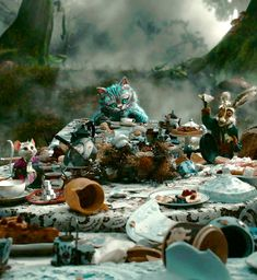 Alice in Wonderland (2010): Cheshire Cat, White Rabbit and Mallymkun