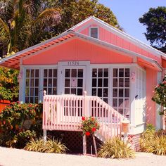 Old Florida, pink house | Flickr - Photo Sharing! #floridabeachcottages