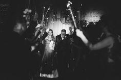 ♥♥♥  Casamento de cinema da Cris e do Adilson O amor é um filme romântico e você vai se apaixonar perdidamente por esse casamento de cinema. Com direito a Marylin Monroe e Charles Chaplin! http://www.casareumbarato.com.br/casamento-de-cinema-da-cris-e-do-adilson/