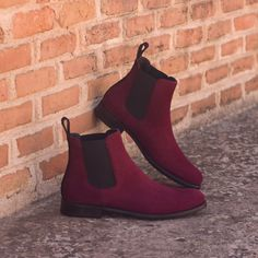 Year after year, Chelsea boots remain one of the most sought-after styles. Chelseas can be used in formal attire and casual wear alike, providing a sleek, polished look. This slip-on boot has been a classic for years. Made in Europe Black Leather Shoes, Black Shoes, Calf Leather, Buy Shoes, Me Too Shoes, Shoes Men, Dress Shoes, Shoe Wardrobe, Custom Design Shoes