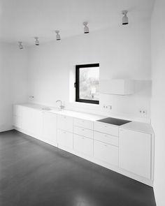 Image 11 of 18 from gallery of House Tumle / Johannes Norlander Arkitektur. Photograph by Rasmus Norlander Home Interior, Interior Design Kitchen, Interior Architecture, Interior And Exterior, Kitchen Decor, Interior Modern, Interior Ideas, Küchen Design, House Design