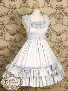 Cute, sweet lolita: White/blue, pleated dress with blue/gray details. Bows.