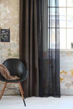 Ben je op zoek naar inspiratie voor raamdecoratie? Op de blog van KARWEI vind je wekelijks nieuwe inspiratie voor in en rondom het huis. Curtain Inspiration, Decor Interior Design, Window Treatments, Ramen, New Homes, Windows, Curtains, Living Room, Architecture