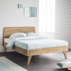 Le lit OSKAR existe aussi en dimension 160 x 200 , livré avec sommier . Ce lit est en chêne massif . Avec un design contemporain et des matériaux nobles et sains ! Ce lit s'accordera aisément à la décoration de votre chambre!  Plus d'infos sur notre  site web : www.alfredetcompagnie.com