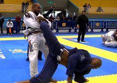 Jiu-Jitsu: Erberth Santos e a chave de pé campeã do São Paulo BJJ Pro http://www.graciemag.com/2017/07/06/jiu-jitsu-erberth-santos-e-a-chave-de-pe-campea-do-sao-paulo-bjj-pro/?utm_content=bufferc6306&utm_medium=social&utm_source=pinterest.com&utm_campaign=buffer