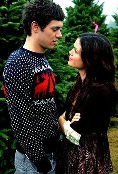 Seth & Summer (Adam Brody & Rachel Bilson) from The O.C. (2003–2007).