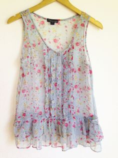 Blue Floral Button Up top from Forever 21 Size SM