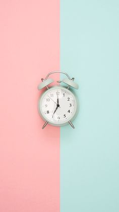 Background iphone for parallax. Clock Wallpaper, Pink Wallpaper Iphone, Pastel Wallpaper, Aesthetic Iphone Wallpaper, Galaxy Wallpaper, Disney Wallpaper, Aesthetic Wallpapers, Wallpaper Backgrounds, Wallpaper Lockscreen