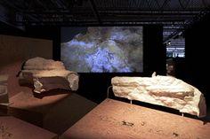 L'exposition itinérante Lascaux III arrive à Paris, avec son matériel de projection Dreamvision.  http://www.linternaute.com/sortir/exposition/1230901-lascaux-a-paris-l-exposition/1231551-lascaux-en-3d