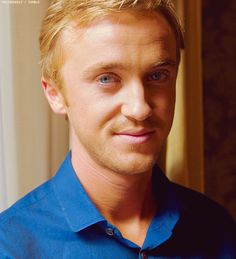 oh boy! blonde hair and blue eyes <3