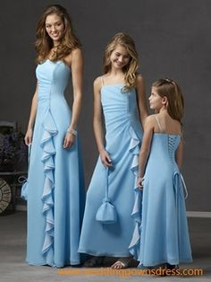 Enjoy these pretty light blue bridesmaid dresses with straps and get you inspired! Take a look at the first dresses above. These are light blue bridesmaid dresses with spaghetti straps. Bridal Dresses Online, Designer Bridesmaid Dresses, Junior Bridesmaid Dresses, Bridal Gowns, Blue Bridesmaids, Bride Dresses, Prom Dresses, Dresses Uk, Robes Pour Juniors
