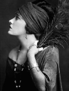 Alfred Cheney Johnston: Gloria Swanson, 1920s.