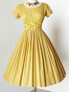 Vintage Ball Gowns, Vintage Dresses 50s, Vintage Outfits, Vintage Fashion, Teen Fashion Outfits, 50 Fashion, Fashion Dresses, 1950s Party Dresses, 50s Dresses