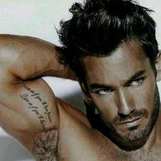 ohhh yea just look at that tats. ahahahaha :p Aaron Diaz flexing :D Aaron Diaz, Look Man, Hommes Sexy, Moustaches, Mans World, Male Face, Face Men, Attractive Men, Good Looking Men