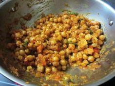 Punjabi Chole Recipe – Yummy Recipes Easy Dinner Recipes, Yummy Recipes, Yummy Food, Easy Chole Recipe, Chhole Recipe, Punjabi Food, Indian Food Recipes, Spicy, Vegetables