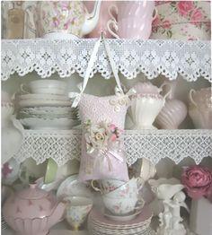 Teacupstitches: ~ VINTAGE ROSE SACHET GIVEAWAY ~