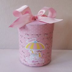 Caixa redonda média  embalagem ideal para gominha, jujuba, sonho de valsa. Altura: 7.00 cm Largura: 6.30 cm Comprimento: 6.30 cm