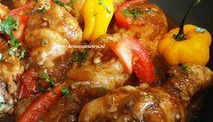 Surinaams eten – Pikante drumsticks met Surinaamse bami en zuurgoed