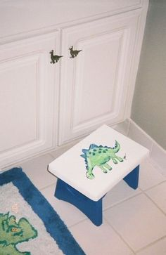 Dinosaur knobs for the kids bathroom #kids #decorating #bathroom http://www.myknobs.com/emcabknoband245.html