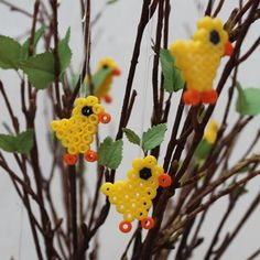 Easter Party, Handicraft, Christmas Ornaments, Holiday Decor, Tips, Crafts, Crowns, Craft, Manualidades