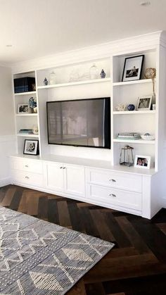 Built In Shelves Living Room, Living Room Wall Units, Living Room Chairs, Living Room Designs, Wall Cabinets Living Room, Built In Tv Wall Unit, Tv Built In, Living Room Bookcase, Wall Tv