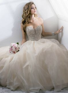 Jenna musolino jennalinn17 on pinterest how to choose the best wedding dress silhouette for your body type http junglespirit Choice Image