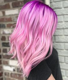 pink hair 55 Lovely Pink Hair Colors: Tips for Dyeing Hair Pink - Glowsly Pink Hair Dye, Dyed Hair Pastel, Pink Wig, Hair Color Purple, Hair Dye Colors, Green Hair, Ombre Rose Gold, Pastel Ombre, Colorful Hair