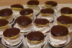 Nem lehet vele melléfogni, mindenki szereti! Cheesecake, Deserts, Muffin, Orice, Food, Cheese Cakes, Desserts, Eten, Postres