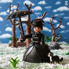 Dama victoriana de luto #playmobil #victorian #mourning #dress #instaplaymobil #playmobillovers #playmobilphotography #iloveplaymobil #playmobilfans #playmobile #custom #viuda Playmobil Sets, Diy Hair Treatment, Portable Hammock, Lego House, Camping Gifts, Colored Highlights, Camping Accessories, Winter House, Hobbies And Crafts