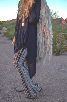 Boho Babe Blogger, Vanilla Fringe, rocks our SWELL exclusive bells. http://www.swell.com/SWELL-FIRE-LIGHT-PRINTED-BELLS?utm_source=Vanilla%20Fringe&utm_medium=blog&utm_content=printed%20bell%20bottoms&utm_campaign=October%202014