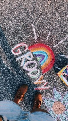 ✰p i n t e r e s t : sidewalk chalk art, happy vibes, chalk drawings, Wow Photo, Chalk Design, Chalk Wall, Sidewalk Chalk Art, Chalk Drawings, Happy Vibes, Summer Aesthetic, Aesthetic Girl, Aesthetic Clothes