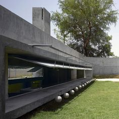Photographer Edmund Sumner has shared with us his photos of this house by Matharoo Associates in Ahmadabad, India, featuring shutters weighted with concrete balls. Called The House with Balls, the b. Le Corbusier, Ahmedabad, Architecture Details, Modern Architecture, Aqua Farm, Pitsou Kedem, India House, Fish Farming, Villa