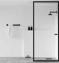 Scandinavian bathroom, minimalist bathroom, white and black bathroom Minimalist Bathroom Design, Minimalist Interior, Minimalist Decor, Minimal Bathroom, Design Bathroom, Bathroom Trends, Bath Design, Minimal Home Design, Minimalist Design