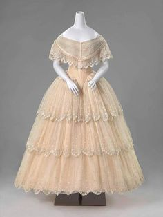 Historical fashion and costume design. 1850s Fashion, Victorian Fashion, Vintage Fashion, Victorian Era, Antique Clothing, Historical Clothing, 1800s Clothing, Vintage Gowns, Vintage Outfits