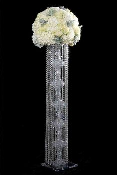 Candelabra: Standing or Hanging - Decor Ideas Crystal Centerpieces, Tall Wedding Centerpieces, Floral Centerpieces, Chandelier Centerpiece, Centrepieces, Centerpiece Ideas, Table Centerpieces, Floor Candelabra, Wedding Isle Decorations