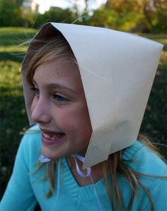 How to make a Pilgrim Bonnet out of paper. This would be a fun craft for thanksgiving lessons
