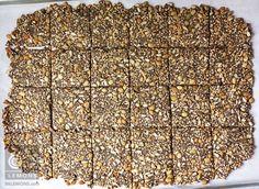 Vegan/GF Endurance Crackers 86lemons.com Low Carb Crackers, Gluten Free Crackers, Vegan Crackers, Granola Bars Peanut Butter, Vegan Granola, Healthy Snack Options, Healthy Food, Homemade Crackers, Lean Meals