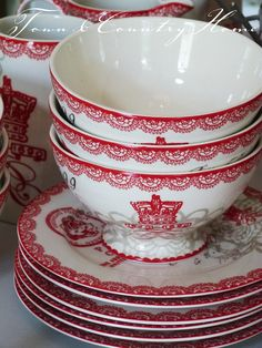 fabulous red and white crown bowls