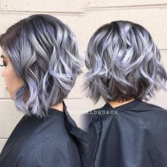 Silver Lavender Hair, Silver Grey Hair, Purple Hair, Pelo Color Plata, Medium Hair Styles, Curly Hair Styles, Gray Hair Highlights, Short Grey Hair, Wig Hairstyles