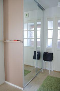 Sisätiloissa: DIY: Eteisen seinähylly minimalistin mieleen