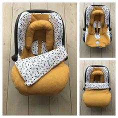 Maxi Cosi set – Oker Geel / Triangel – Cabrio Fix - Baby Care The Babys, Baby Zimmer, Diy Bebe, Baby Gadgets, Baby Planning, Baby Necessities, Everything Baby, Natural Baby, Baby Needs