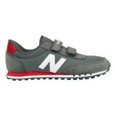 #Zapatillas #New Balance tanto para vestir como para hacer deporte. Cómodas y muy ligeras, lo último para ir por la calle en #deporvillage por 36.00€