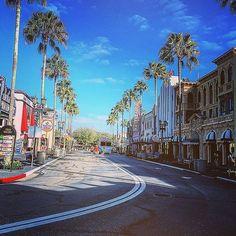 It's a #beautiful day.  (by @kfrontino) Universal Studios Orlando   #UniversalMoments #UniversalOrlando #UniversalStudiosFlorida #YeahYeahYeahYeahYeahYeahYeahYeahYeahYeahYeahYeahYeahYeahYeaaaahhhhhh #Sunrise #SundayMorning