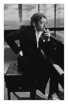 Contemporary and Modern Photography for Sale Serge Gainsbourg, Music Love, My Music, Art En Ligne, Anthony Vaccarello, Jane Birkin, Contemporary Artwork, Music Icon, Oeuvre D'art