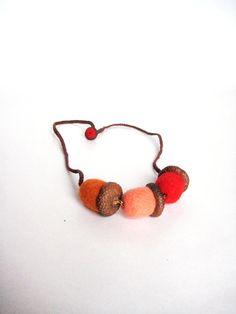 Wool+felt+acorns++Needle+felt+acorn+necklace+by+Feltedcreatures