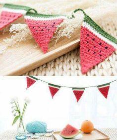 Watermelon Bunting – Crochet - Home Dekor Crochet Bunting, Crochet Garland, Crochet Diy, Crochet Decoration, Crochet Motifs, Crochet Food, Love Crochet, Crochet Gifts, Crochet Patterns