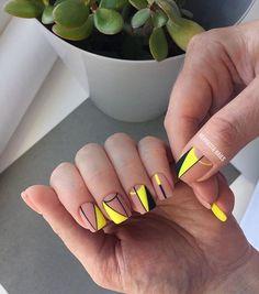 unghie Nail Designs on Trend Lo adorerai! Neon Yellow Nails, Yellow Nails Design, Neon Nails, My Nails, Long Square Nails, Nail Mania, Abstract Nail Art, Minimalist Nails, Dipped Nails