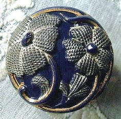 Antique  Art Nouveau parti-lustre floral glass button,  c1880-1910.